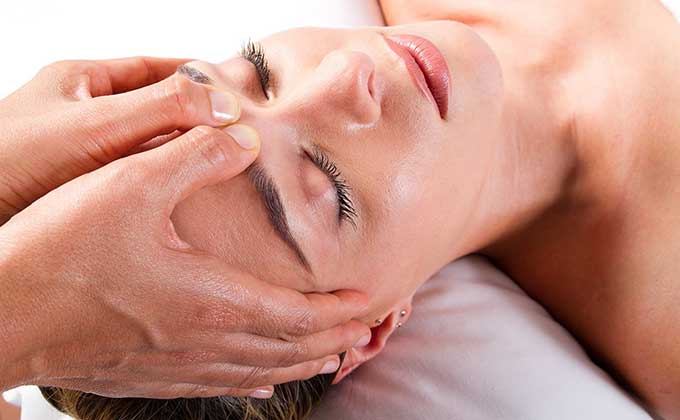 Massages for migraine relief